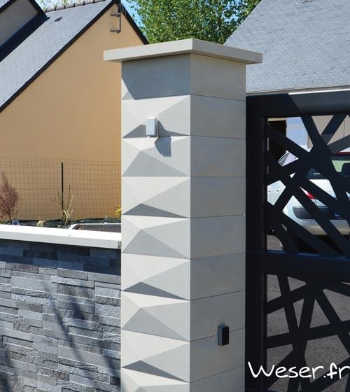 Pilier de portail Trigone - Largeur 39 cm - Blanc cassé